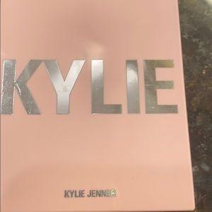 Kylie Cosmetics Makeup - Kylie Rosey Blush